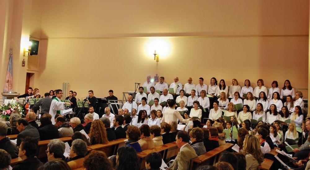 Coro en la Parroquia María Auxiliadora