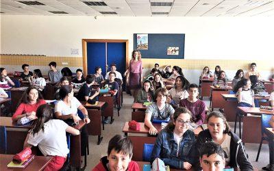 Encuentro  de Mª Ángeles Gómez, autora de 'Media Luna', con alumnos de 2º ESO