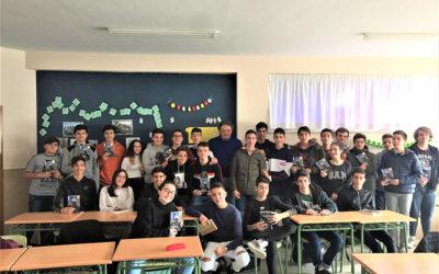 Encuentro de 4º de ESO con el escritor Luis Leante