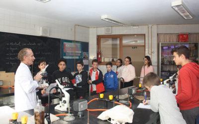 Los alumnos de 6º curso de Primaria visitan el Laboratorio