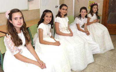 Niños/as de la obra celebran la primera comunión