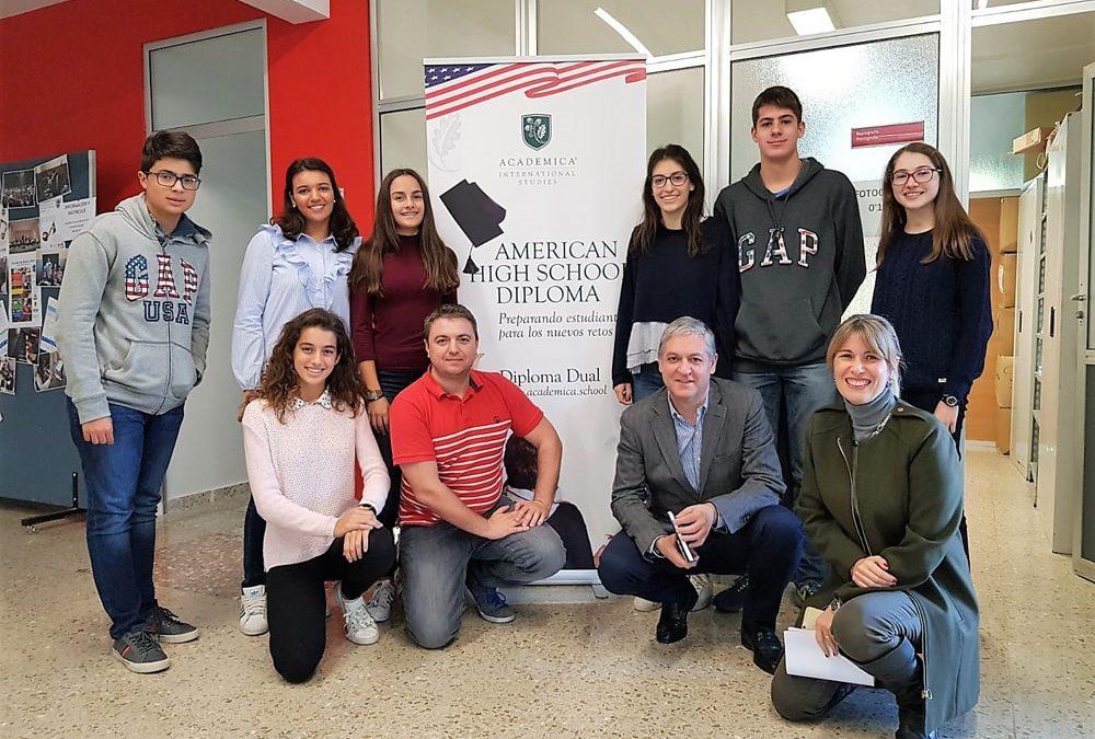 Encuentro de los alumnos del 'Bachillerato Americano Dual' con el Coordinador del programa