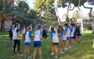 Los chicos y chicas mayores de Primaria en tutoría en El Campello