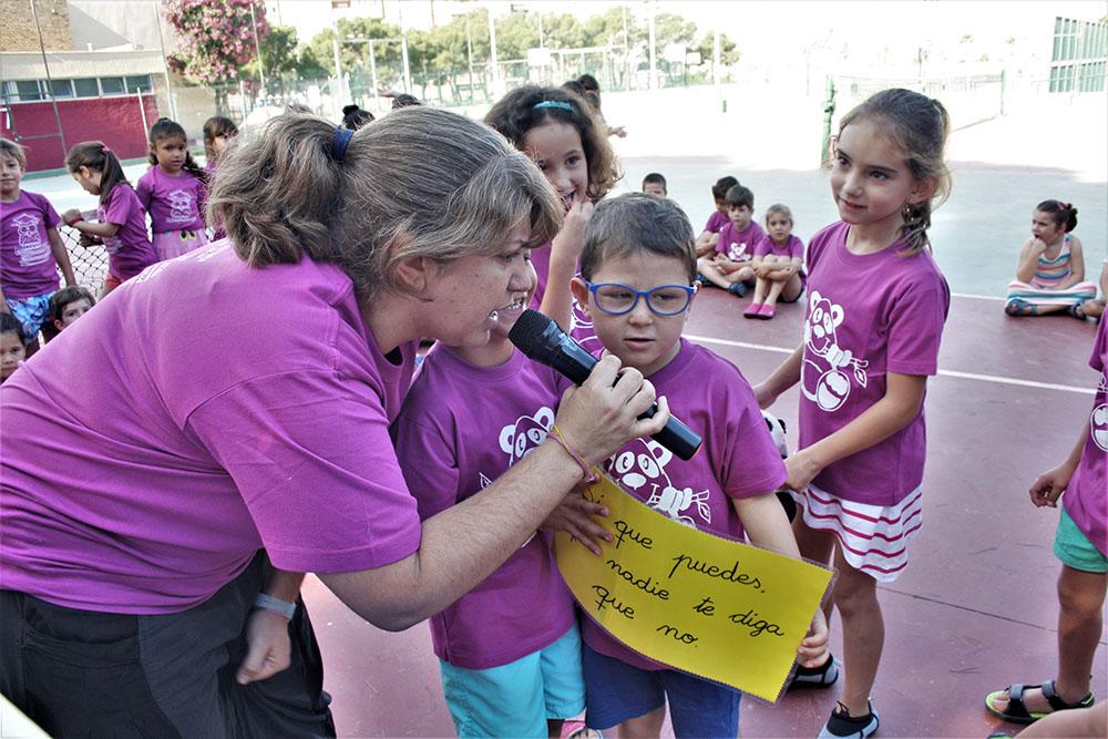 Los niños de Infantil despiden a sus compañeros de 5 años