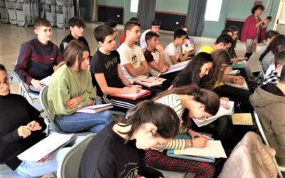 Recital poético en clase de Literatura para alumnos de 4º ESO
